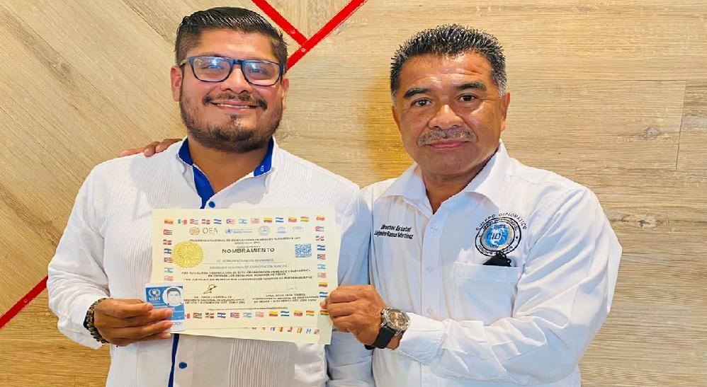 Recibe egresado de Villahermosa reto en derechos humanos